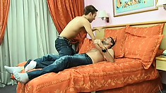 Gay buck moans while taking a hard love muscle in his firm tushie
