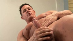 Experienced stud with a muscled body loves to please his long stick