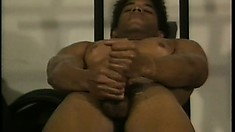 Jeff Sahara loves to workout his muscles and please his long black cock