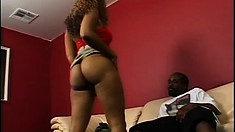 Bootylicious and voracious chocolate slut is a good girl to fuck