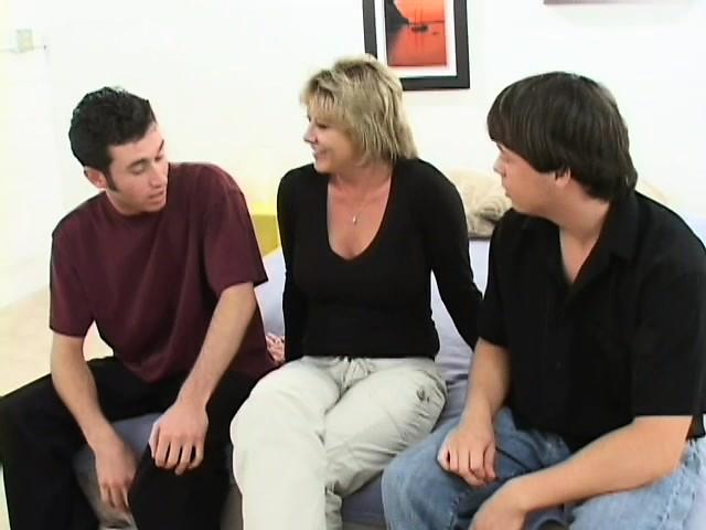 Milf Mature Lesbians Threesome